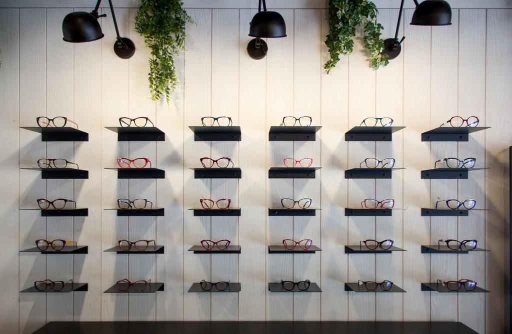 opticien-8a-vous-de-voir-opticien-eyewear-shop-nice-architecture-d-interieur-paris-steve-baldini-interior-design-london-1