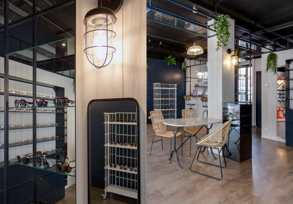 opticien-portrait-1a-vous-de-voir-opticien-eyewear-shop-nice-architecture-d-interieur-paris-steve-baldini-interior-design-london-1