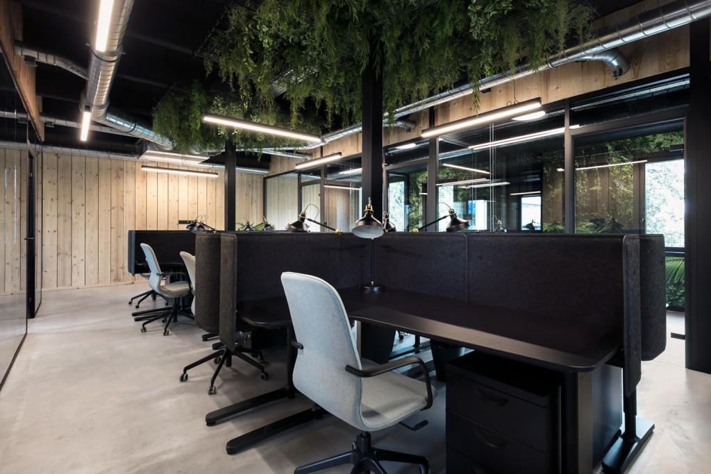 Ispace-Baldini architecture-office-interiordesign- paris- nice-architecture-desk 1