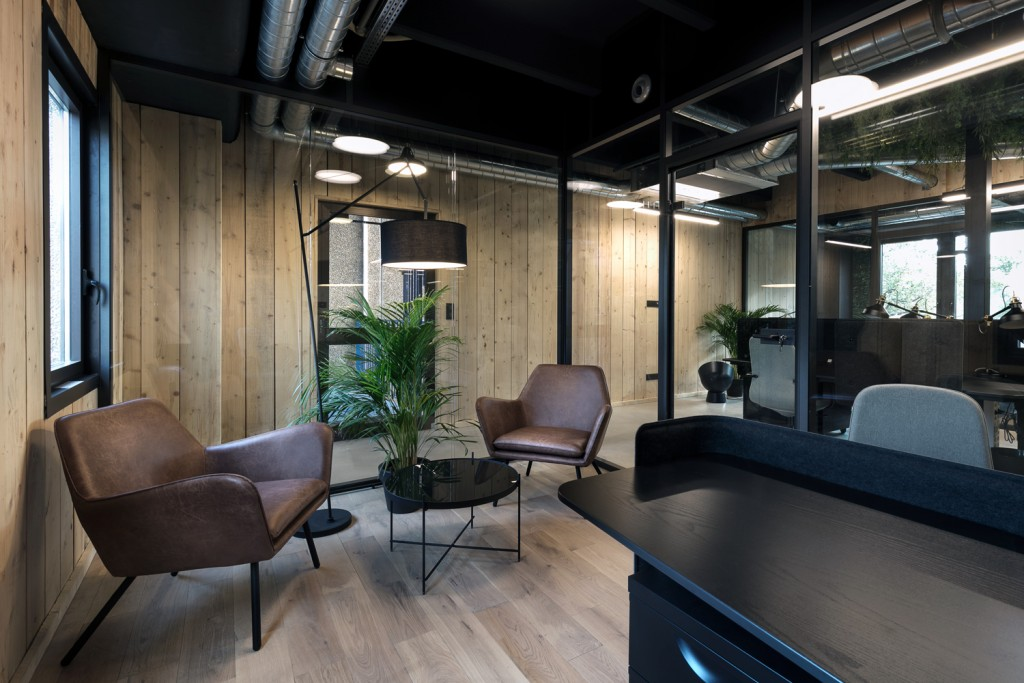 Ispace-Baldini architecture-office-interiordesign- paris- nice-architecture-desk 2
